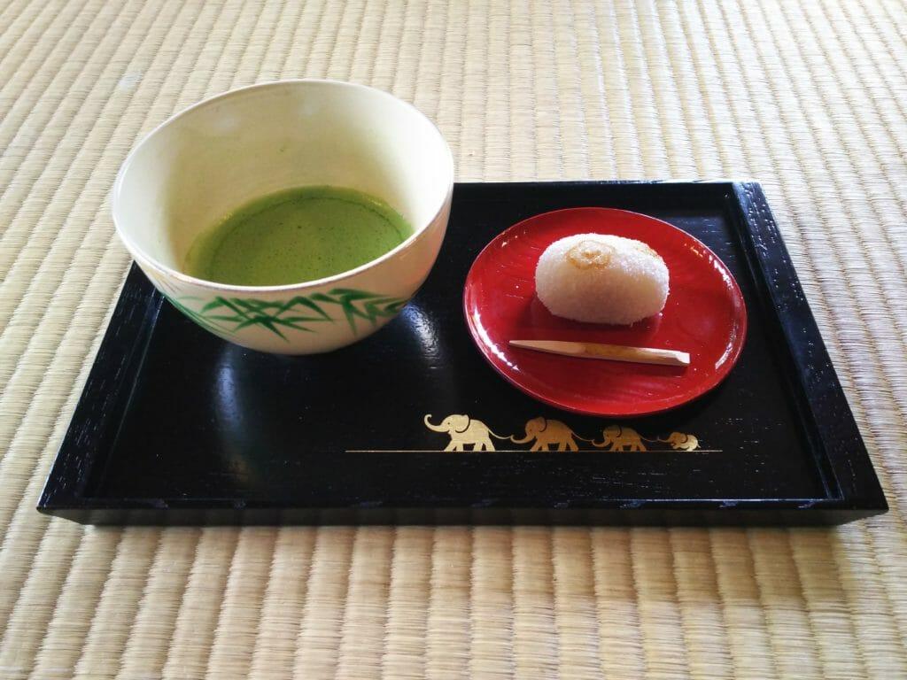 旧三井別邸のお茶