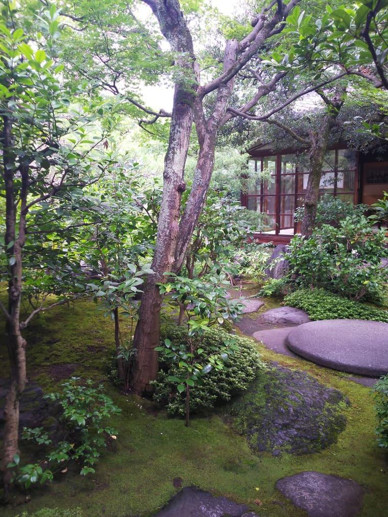並河靖之記念館の庭からみた建物
