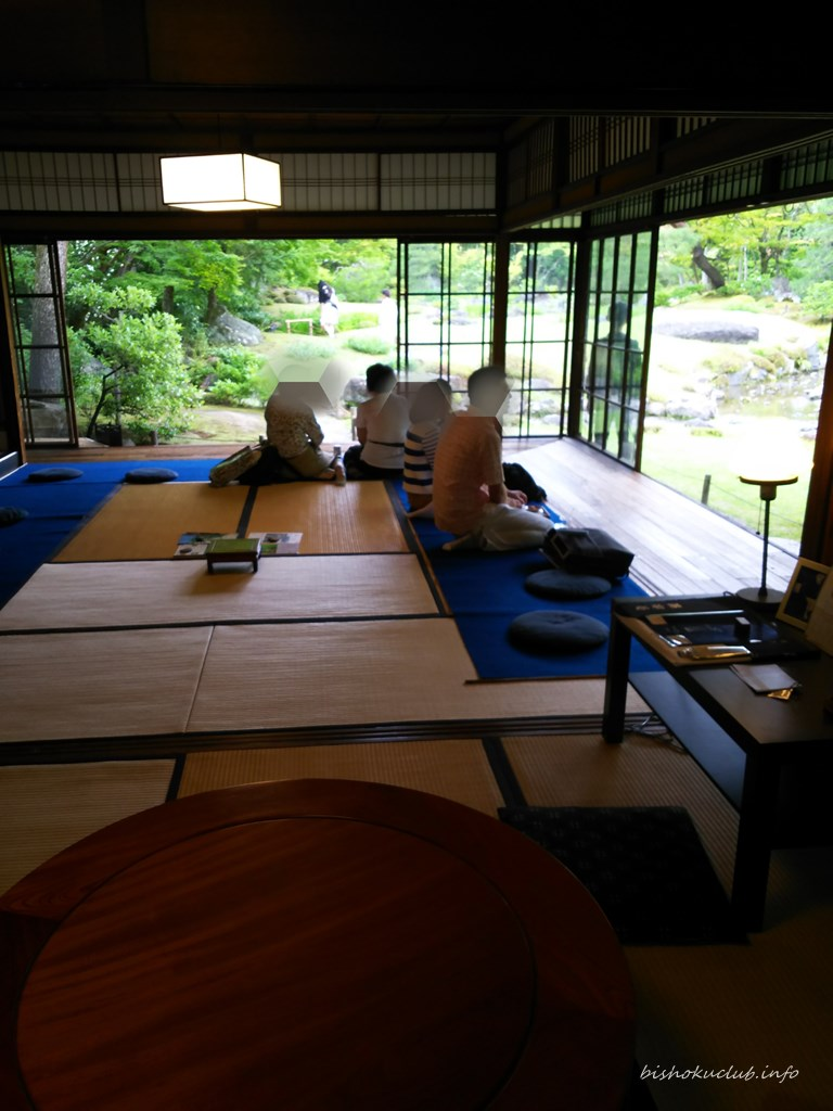 『無鄰菴』の庭園カフェの内観