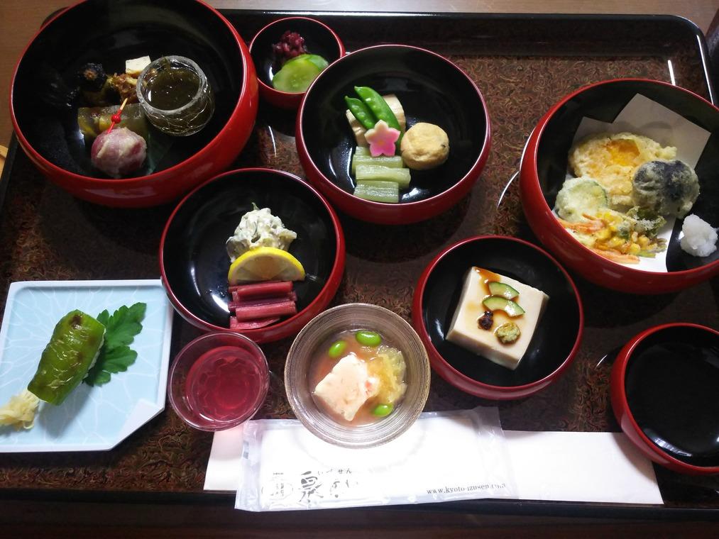 泉仙の精進鉄鉢料理オープン