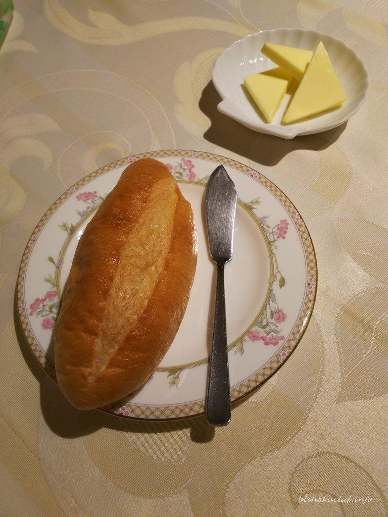 開晴亭のパン