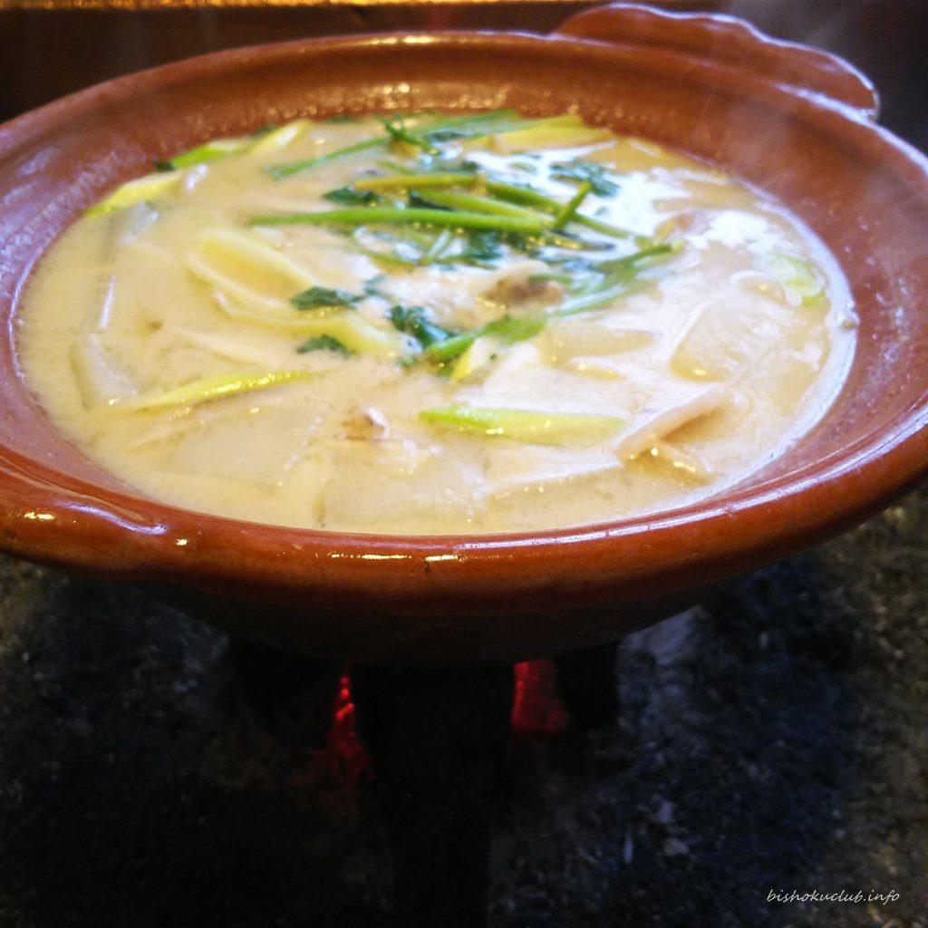 畑かくのぼたん鍋は白味噌で